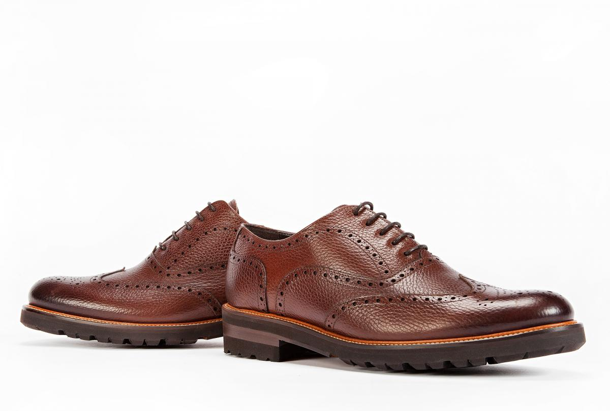 DRESS CASUAL BROGUE